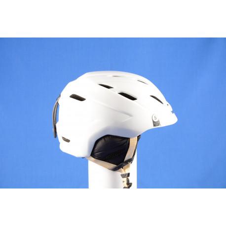 lyžiarska/snowboardová helma GIRO NINE.10 white 2018, AIR ventilation, einstellbar ( TOP stav )