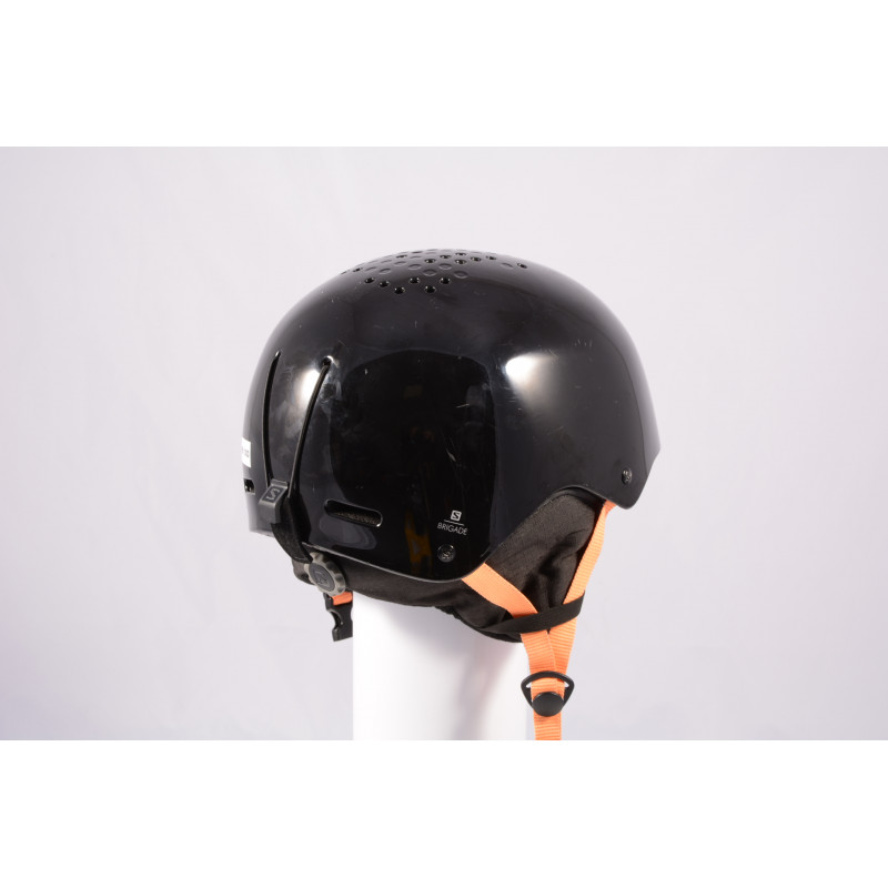 lyžiarska/snowboardová helma SALOMON BRIGADE 2020, Black/orange, einstellbar ( TOP stav )